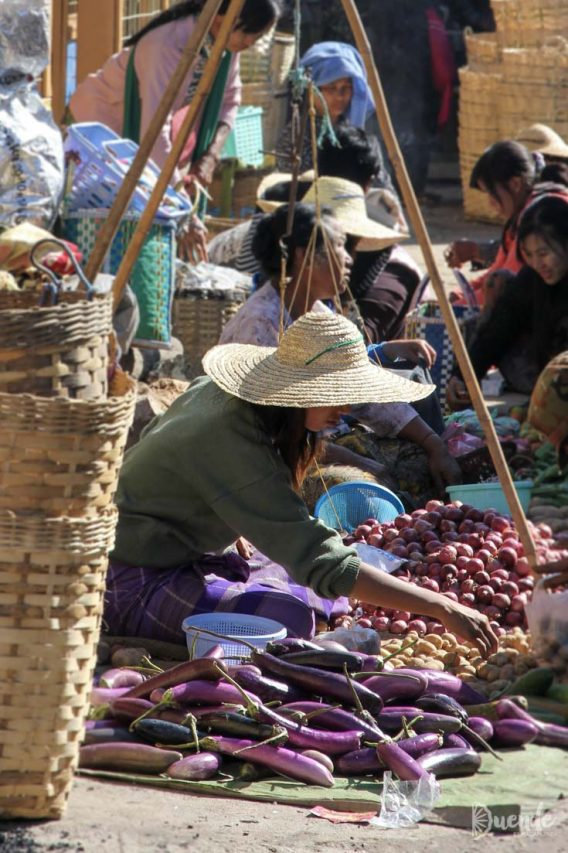 Rotating market, Lake Inle