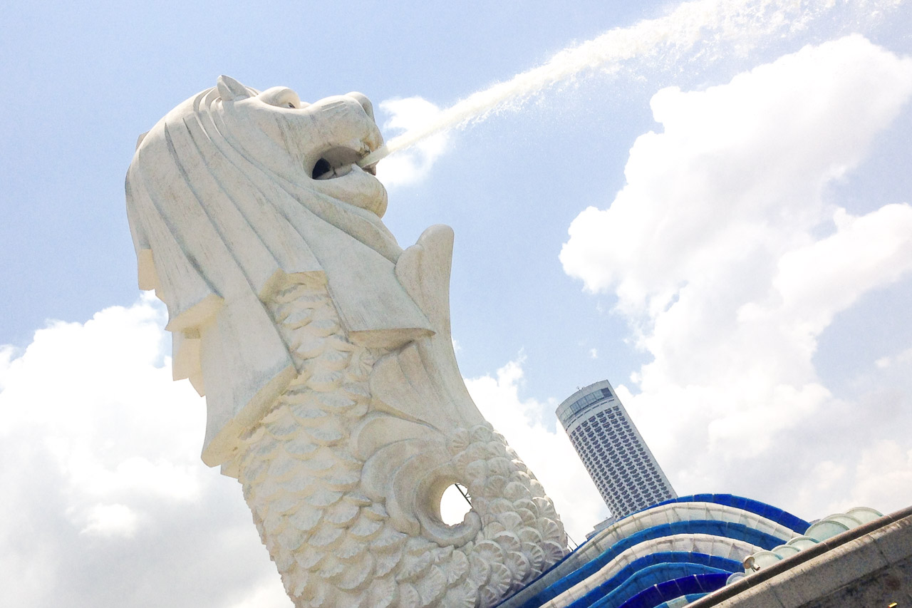 Image of merlion statue with water spurting from its mouth