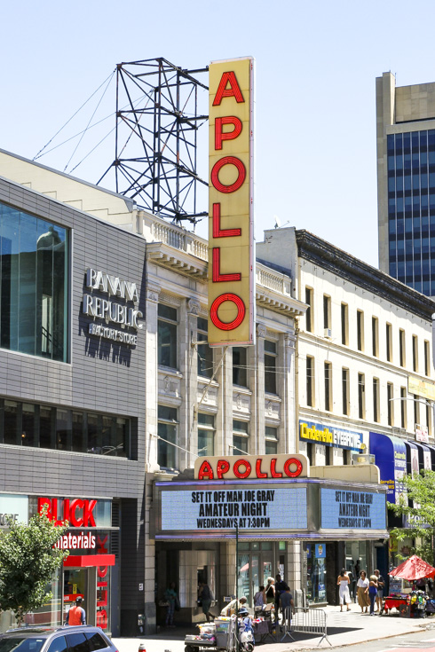 Front of the Apollo Theater from street