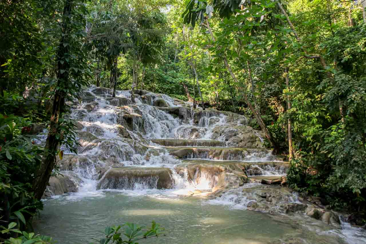 Photo of cascades in the jungle