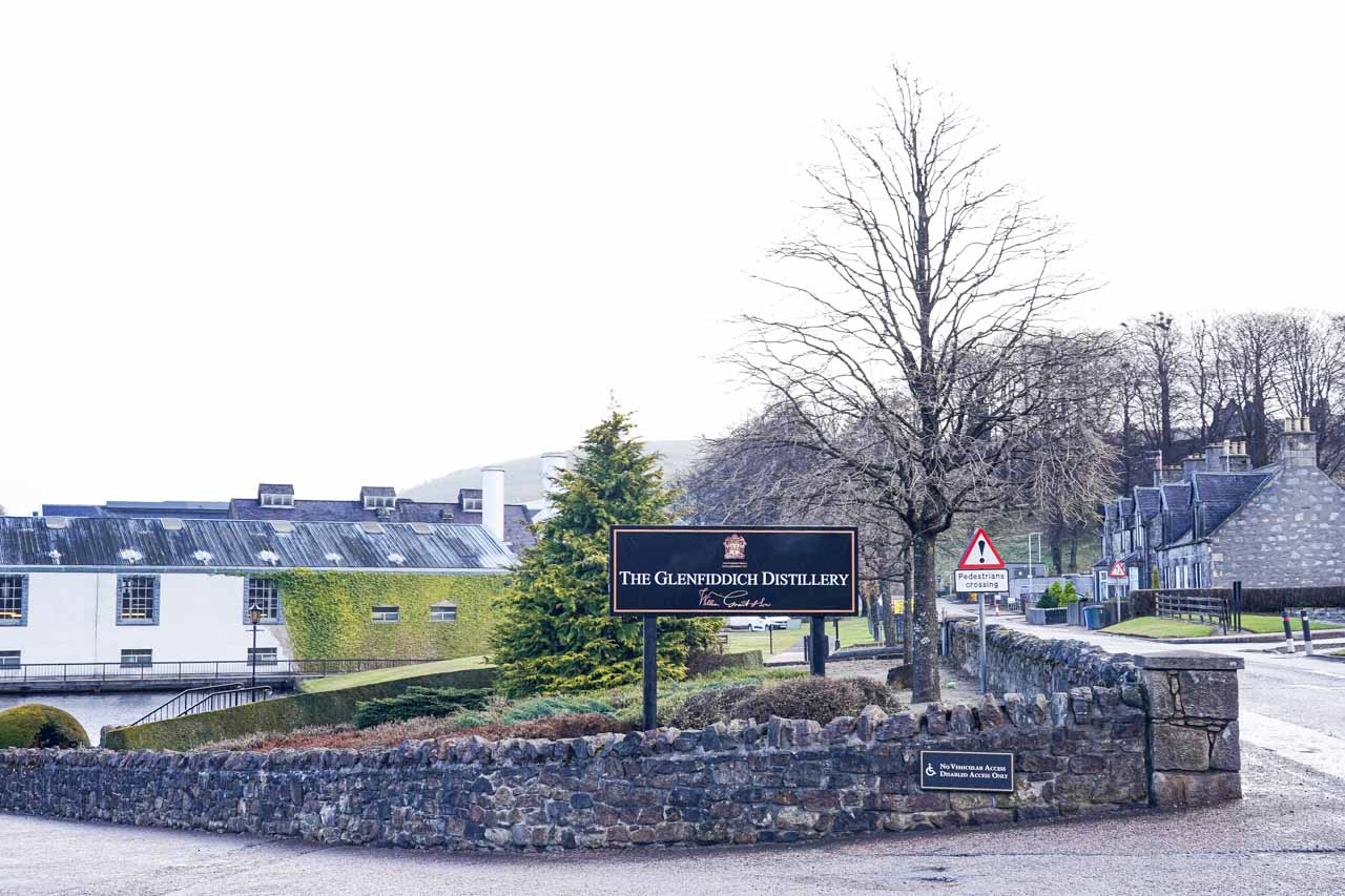 Photo of the Glenfiddich whisky distillery